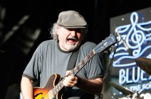 "Tinsley Ellis celebrates his legacy with ""Red Clay Soul"""