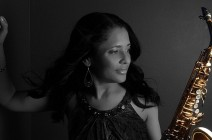 """Joyce Spencer takes us in a new dimension with the album """"Many Colors"""""""
