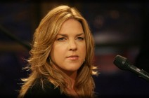 "Diana Krall makes some big noise with ""Turn Up the Quiet"""